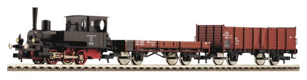 Freight train for fuel set with diesel locomotive BR 120 - DR, TT