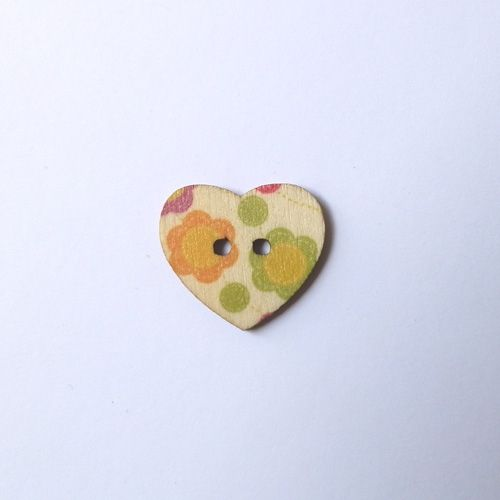 Wooden heart button 181