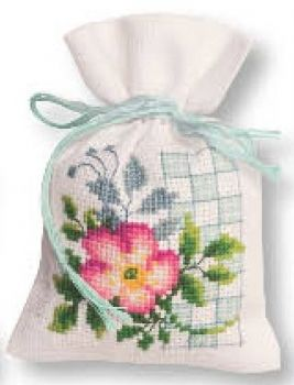 Cross-stitch bag Wild rose