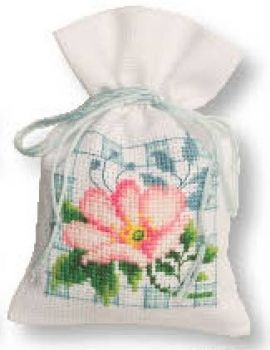 Cross-stitch bag Wild roses