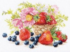"Cross-stitch kit ""Strawberry"" - Alisa 5-14"