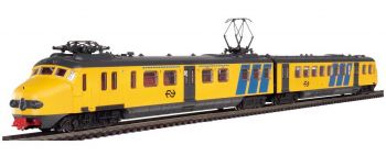Train set with steam locomotive BR 50 and 5 freight wagons, HO