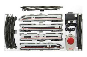 Train model with electric locomotive and two passenger coaches - NS, HO