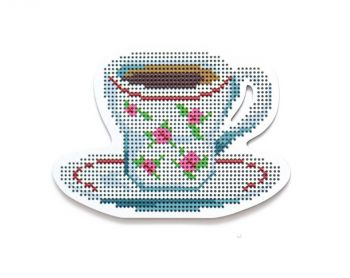 "Cross-stitch kit RTO EHW027  Cross-stitch kit with perforated wooden form  ""House"""