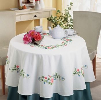 Vervaco PN-0012917 Red roses table-cloth
