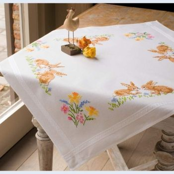 Vervaco PN-0013209 Square table-cloth with two rabbits